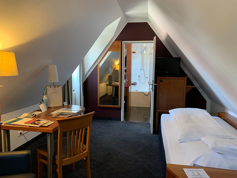 Seehotel Niedernberg - wioska nad jeziorem